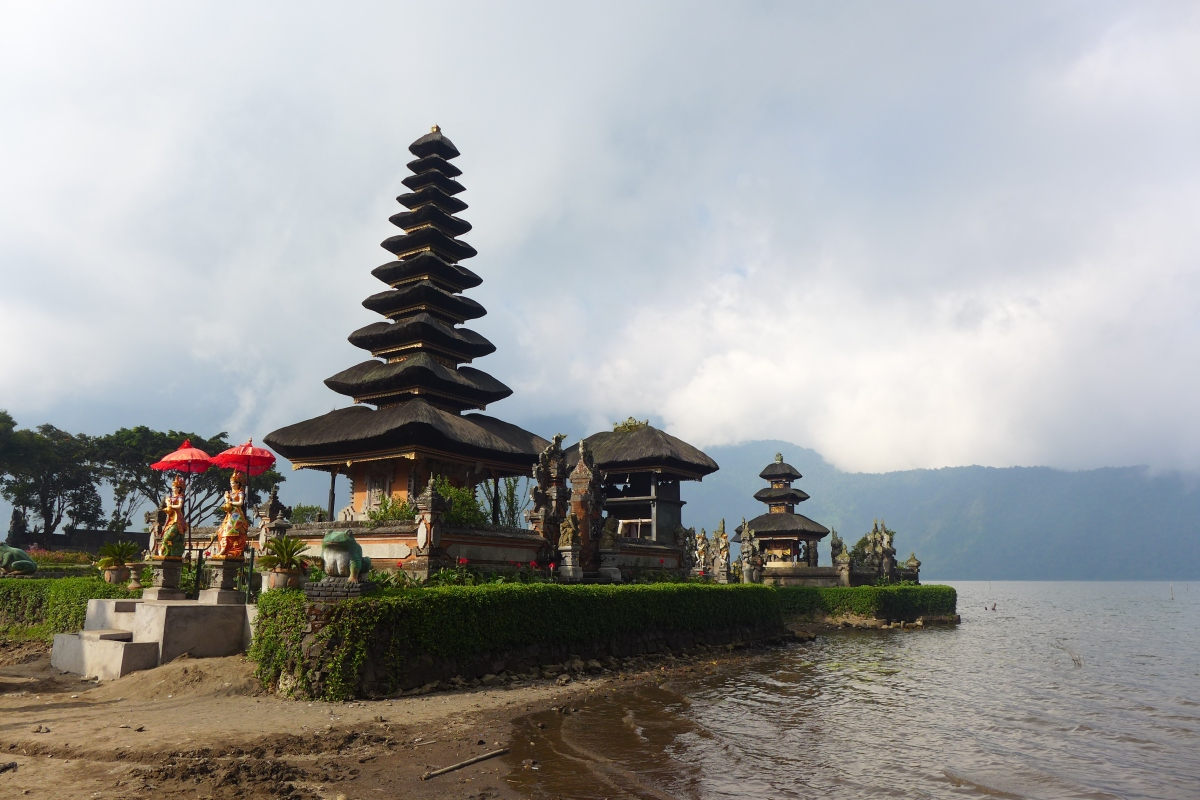 Bali, Indonesia (Part III: Monkey Forest, Ulun Danu, Tanah Lot)